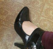 2 пары обуви!