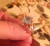 Кольцо с топазом и бриллиантом