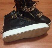 Женские осенние ботинки Новые