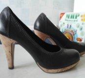 Черные стильные туфли на пробковой подошве