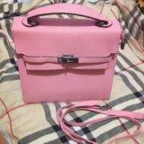 Очень вместительная,отличная сумка