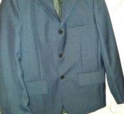 Пиджак темно-синего цвета