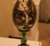 Декоративное расписное яйцо