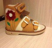 Новые сандалики на девочку
