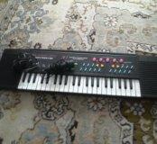 Синтезатор в хорошем состоянии