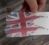 Серьги-перья под британский флаг