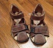 Кожаные новые сандалики