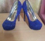Блестящие туфли!