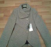 Пальто демисезонное (новое).Размер 42.