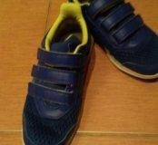 Кроссовки Adidas для мальчика б/у