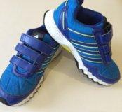 Детские кроссовки Adidas размер 33
