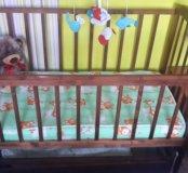 Детская кроватка маятник и музыкальная карусель.