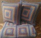 Плед и подушки ручной вязки