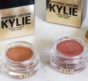 Kylie Jenner Creme Shadow Birthday Edition