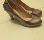 Женские туфли 39 золотые
