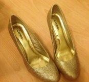 Туфли золотые блестящие
