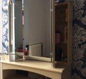 Трюмо, зеркало, туалетный столик, комод