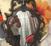Зеркало в железной раме
