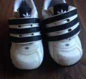 Кроссовка adidas