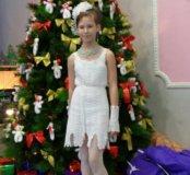 Платье с митенками