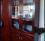 Стол, 6 стульев и шкаф