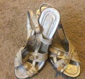 Красивые текстильные туфли на праздник