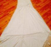 вечерняя платья со шлейфом;замок нужен