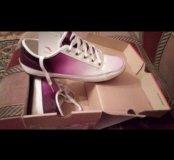Женские бело-фиолетовые кеды