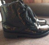 """Ботинки  демисезонные"""" черный лак"""""""