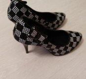 Нарядные женские туфли