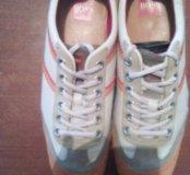 Продаю кроссовки