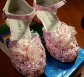 Туфли новые для  девочки размер 29