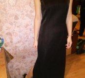 Вечернее платье в пол с разрезами