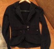 Пиджачок трикотажный 44 размера