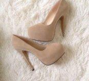 Туфли новые, разные цвета