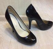 Новые лаковые туфли черные 37