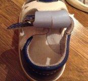 Первая обувь. Детские сандалики.