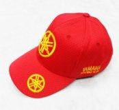Кепка Yamaha красная