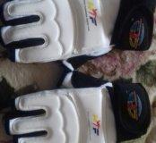 Продам перчатки для теквандо