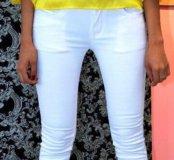 Белые джинсы новые