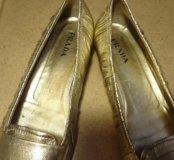 Шикарные туфли фирмы Prada