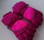 Перчатки зимние, в идеале, на 2-3г,не промакают