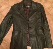 Кожаный пиджак очень удобный в хорошем состоянии!