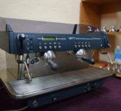 Профессиональная кофемашина faema