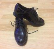 Туфли лаковые размер 36.Обувала пару раз.как новые