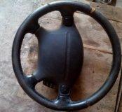 Руль с подушкой и круиз-контролем