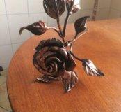 Роза из металла.