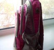 Рюкзак школьный, в хорошем состоянии.