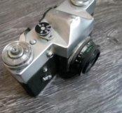 Старинный фотоаппарат ZENIT-B