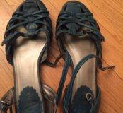 Отдам обувь.